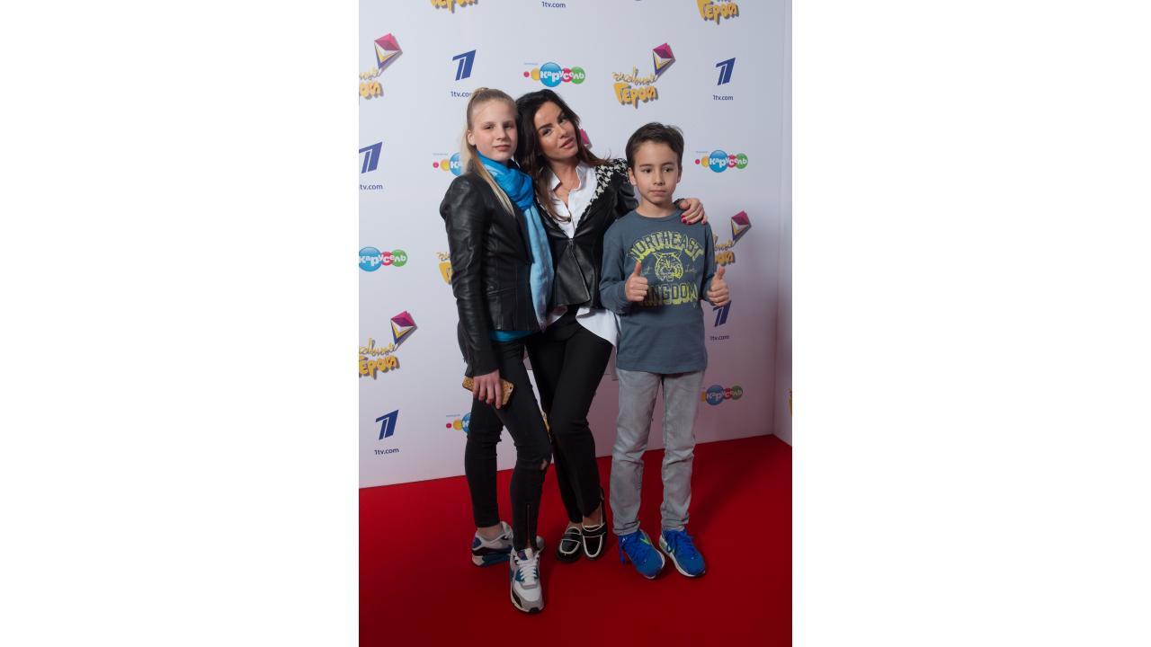 Юлия Волкова с детьми
