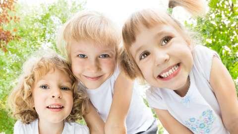 Научные исследования показали, как смех влияет на интеллект ребенка