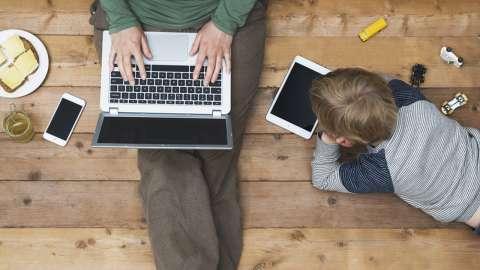 Делай с ребёнком что хочешь, лишь бы мама отдохнула: почему этот тренд не работает