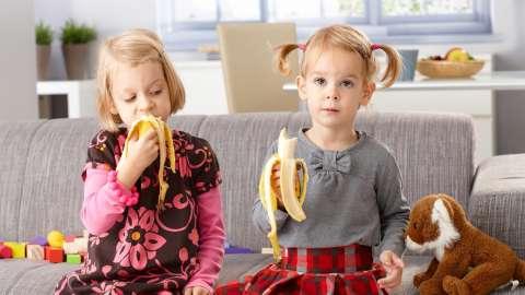 5 техник, которые помогут справиться с детской завистью