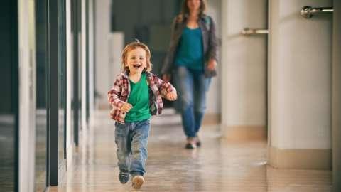 Движение — жизнь: 13 активных детских игр