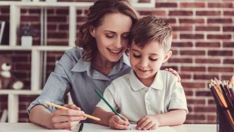 Нужно ли делать с ребенком уроки?