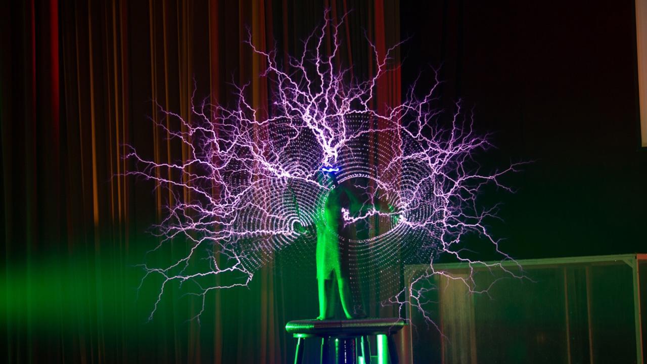 Научная елка WOW! HOW?