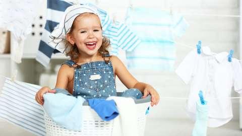 75 домашних дел, которые можно поручить ребёнку