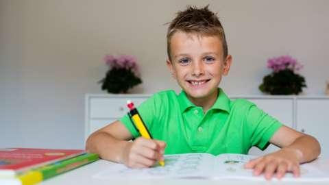 Как научить ребенка правильному отношению к оценкам