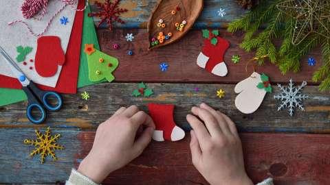 DIY: 6 красивых новогодних поделок своими руками