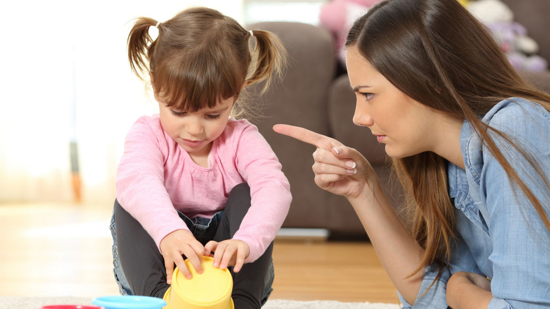 Смотреть Какие моменты, мама не должна делать с ребенком видео