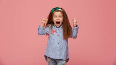 «Возьми себя в руки!»: как научить ребенка справляться с эмоциями