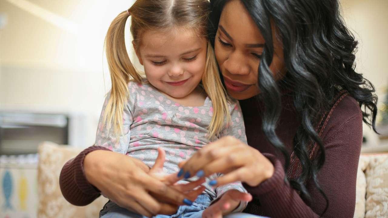 ... то вы должны быть уверены, что няня говорит на иностранном языке  грамотно, ведь в этом случае она говорит с ребенком на своем родном языке,  ... 6bb647f0080