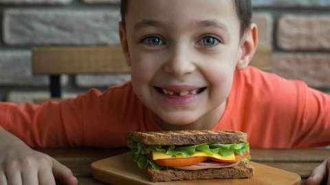 Как объяснить ребёнку, почему люди едят мясо