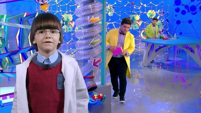 Саша представляет программу «Лабораториум»