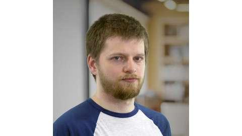 Иван Коломеец, преподаватель математики с2009 года, ведет онлайн-занятия с2016 года