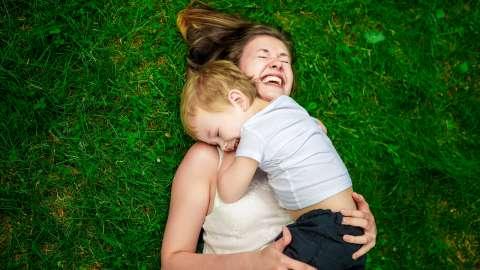 Как себя вести, если посторонние делают замечания моему ребенку: мнение психолога