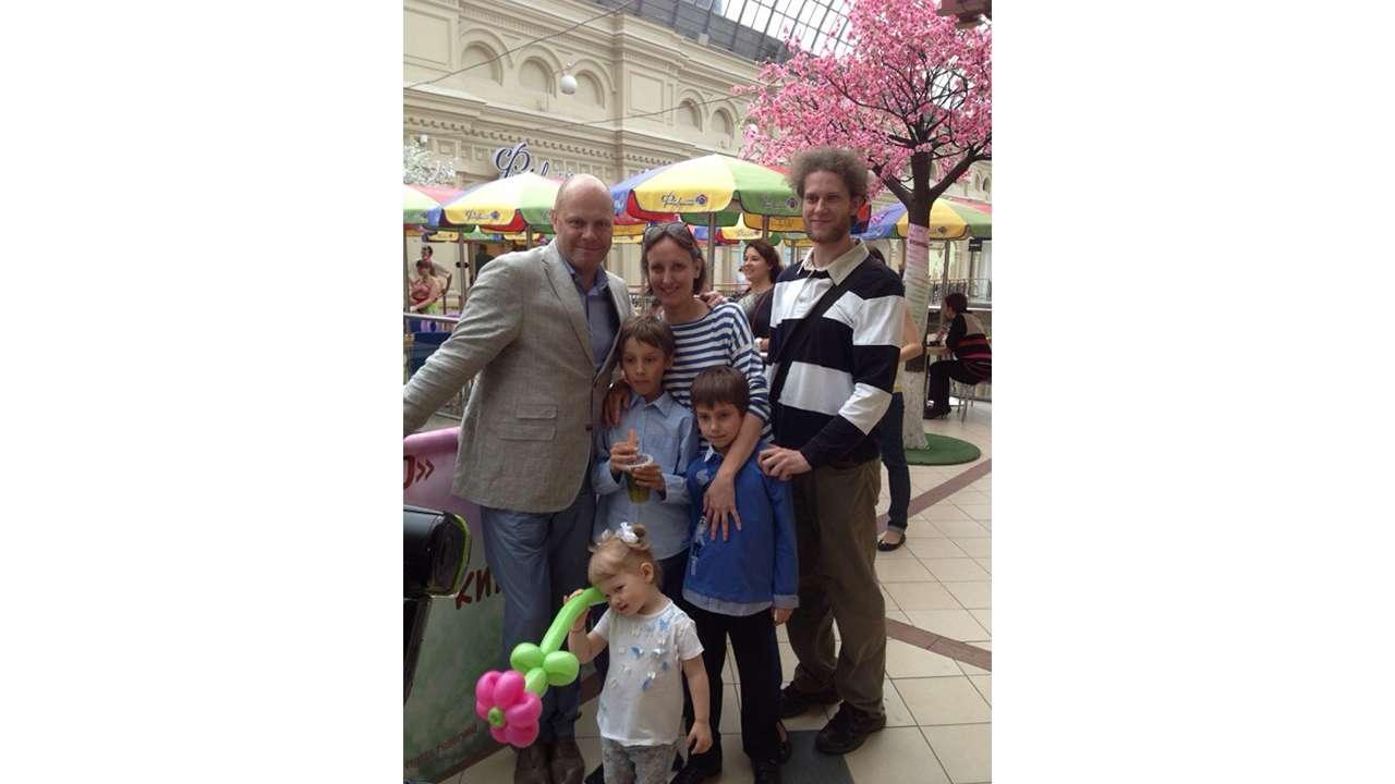Алексей Кортнев с семьёй