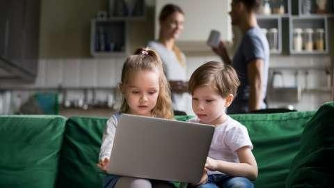 Как видеоблоги превратились в главное увлечение современных детей