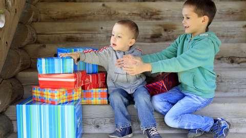 Почему ребёнок хвастается: 5 советов, которые помогут с этим справиться