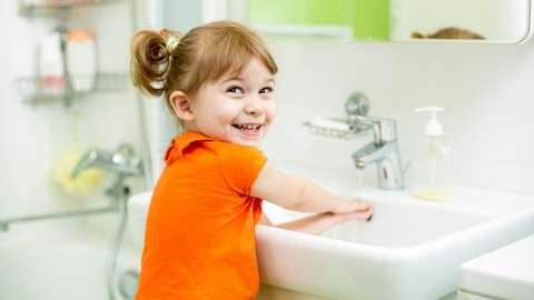Всемирный день мытья рук на телеканале «О!»: 9 интересных фактов о том, как люди моют руки