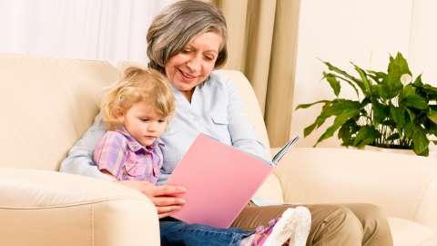 5 вещей, которым может научить только бабушка