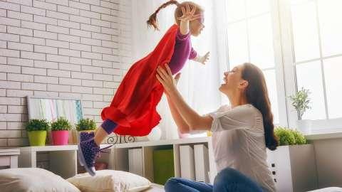 Чтобы вырастить детей счастливыми, балуйте их почаще