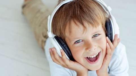 Не только польза, но и удовольствие: как слушать классическую музыку с ребёнком
