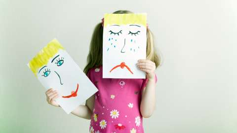 Научите интровертов расставлять личные границы, а экстравертов различать эмоции