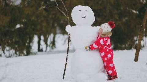 14 советов психологов, которые помогут вам собраться на зимнюю прогулку и не сойти с ума