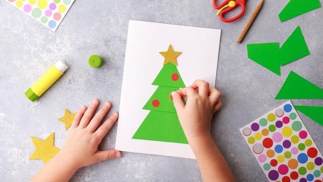 DIY: 5 необычных новогодних открыток, которые можно сделать вместе с детьми