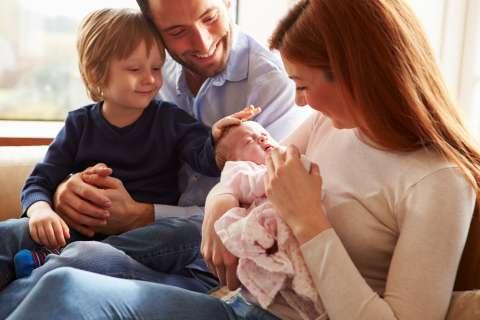 Как подготовить ребёнка к рождению брата или сестры