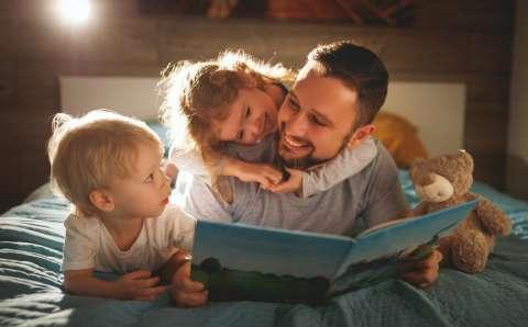Мама, почитай мне! Почему чтение полезно и детям, и родителям