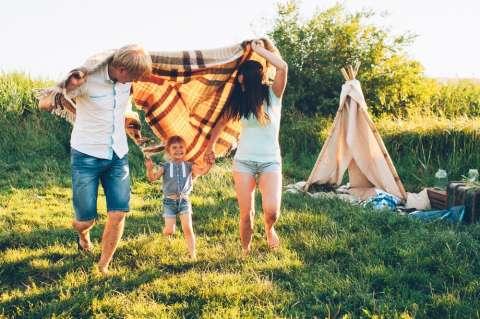 Мама, папа, я: зачем ребенку два родителя?