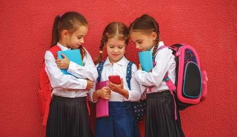 Мобильный телефон на время уроков придется убрать