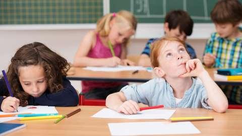 5 способов мотивировать ребёнка к учёбе, которые не работают
