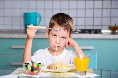 Ешь, это полезно! Как научить ребенка здоровым отношениям с едой?