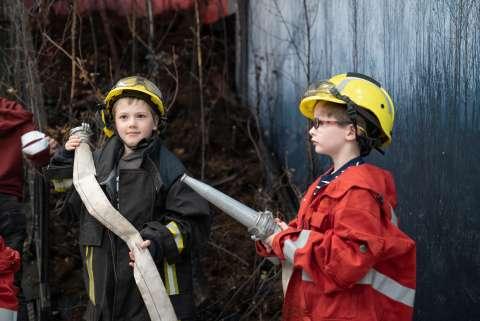 5 причин побывать всей семьёй на фотовыставке «Останови огонь»