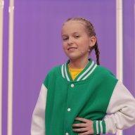 Аня Алабужева, 9 лет