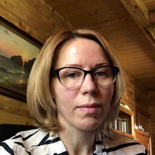 Елена Лавренова, аналитический психолог,  мама двоихдетей